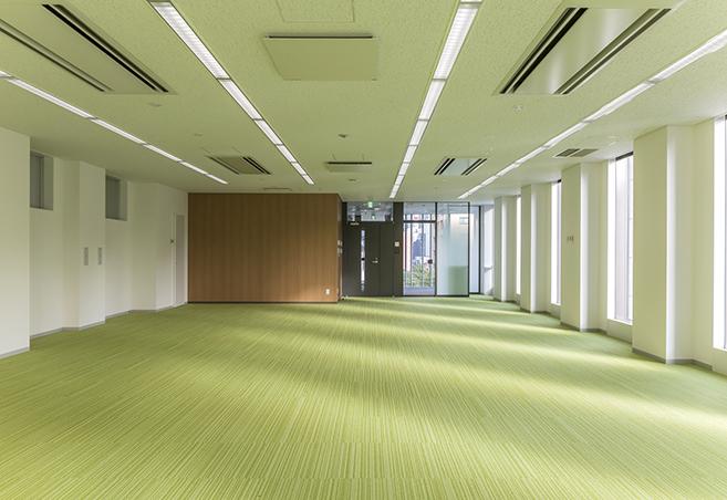 既存ビルと調和した安全・安心なオフィスの構築